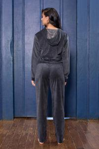 Pijama longo de plush costas
