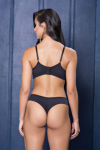 Conjunto com base e detalhe de tule bordado costas